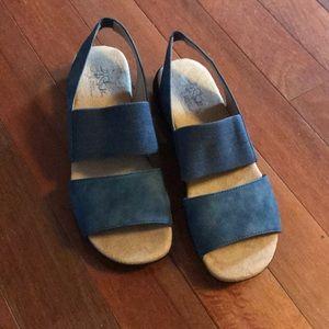 Lifestride women's sandals